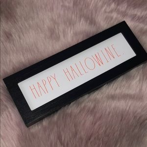RAE DUNN  |  HAPPY HALLOWINE Sign